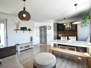 4 - izbový priestranný a slnečný byt 72,36m2, loggia 5,22m2, kryté parkovacie miesto, výťah, zariade