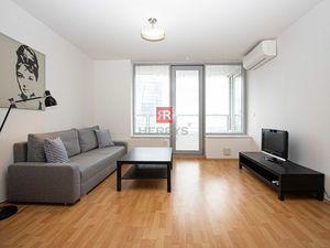 HERRYS - Na prenájom 2 izbový byt s parkovacím miestom a výhľadom na Bratislavu v projekte III Veže