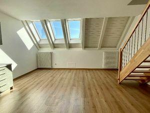 NA PREDAJ:  Veľký 3 izbový byt   výmere 91 m2 v nadštandardnom prevedení s kuchynskou linkou