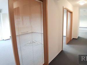 od 110 m2 až po 225 m2 – priestranný administratívny celok v centre