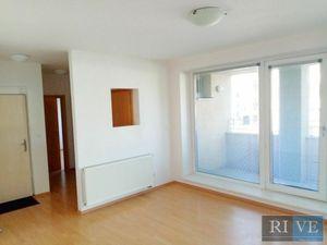 50 m2 – príjemný administratívny priestor s lodžiou