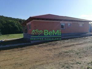 Predaj: Nitra Kynek, 4-izbový bungalov s dvojgarážou novostavba. Pozemok 696 m2
