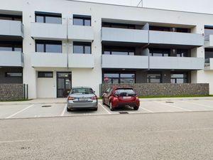 HERRYS - Na prenájom kancelársky priestor na Opálovej ulici v projekte Jantár Jarovce, 2x parking