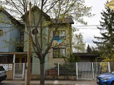 PREDAJ -  Päť izbový rodinný dom v Galante