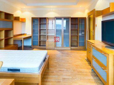 HERRYS - Na predaj priestranný slnečný 1 izbový byt s pivnicou v Dúbravke