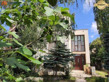 Rodinný dom pod ZOBOROM s krásnym pozemkom a atmosférou