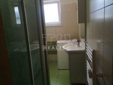 Ponúkame na predaj 2 izbový byt na Podháji o výmere 56 m2.