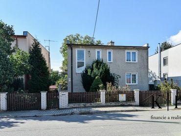 IBA U NAS!! Na predaj 2-podlažný rodinný dom 200 m2, pozemok 846 m2, Trenčín - Zlatovce