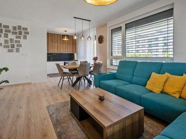 PREDANÉ...... Na predaj krásny,  zariadený 3 izbový byt v bytovom komplexe  Arbória v Trnave.