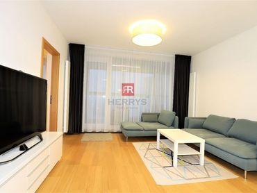 HERRYS - Na prenájom moderne zariadený 3 izbový byt v Panorama City v Starom Meste