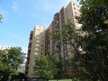 Prenájom veľkého 3i-bytu na ul.P.Horova v Devínskej Novej Vsi po komplet rekonštrukcii, s lodžiou