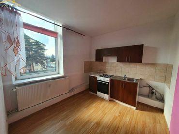 Ponúkame do dlhodobého prenájmu 1-izbový byt bez balkónu.