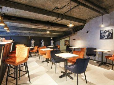 Odstúpenie novovzniknutej kaviarne s terasou a kompletným vybavením v OC MAX v Trnave