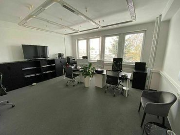 Klimatizovaná kancelária 32m2 na Bôriku