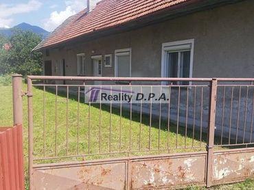 PREDANÉ-Starší rodinný dom Turany na vlastnom vysporiadanom pozemku