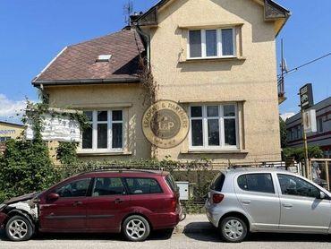 Rodinný dom s halou a pozemkom - Slovenská ul. - Košice