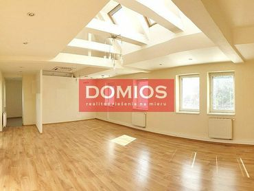 EXKLUZÍVNE | prenájom klim. 3-izb. bytu (127,80 m2, terasa 42,37 m2, 2. p., parking)