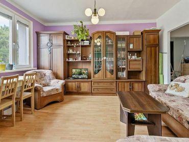 2 izbový byt s loggiou s výhľadom na les v krásnom prostredí Karlovej Vsi