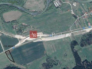 Predaj: Pozemok na komerčné účely - Ivachnová - 11.157m2