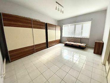 - PREDAJ - Tehlový byt, 100 m2 v centre mesta TRNAVA.