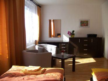 Trojizbový byt pražského typu pri Steel Aréne