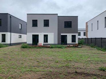 4 izbový dvojpodlažný byt B sekcia 1 / 101,80 m2/ s pozemkom 240 m2 na Vampílí pri Malacká