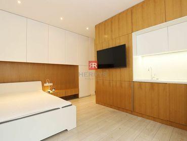 HERRYS - Na prenájom 1 izbový byt po kompletnej rekonštrukcii priamo na pešej zóne v Starom Meste