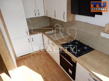 Na predaj 3 izbový byt v Sásovej, BB o rozlohe 70,8 m2
