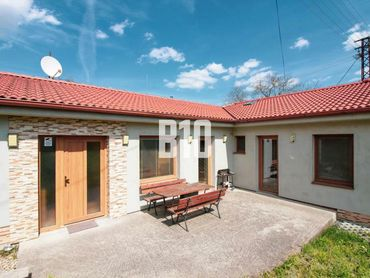 Zariadený rodinný dom - okr. Zlaté Moravce