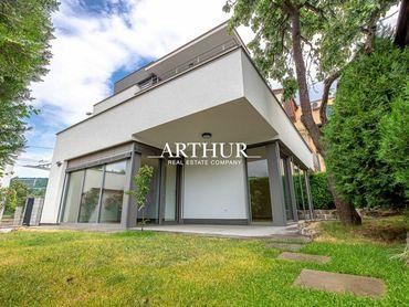 ARTHUR - 5 izbový slnečný moderný rodinný dom s garážou a dvoma terasami,  Horský Park