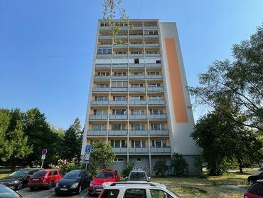Veľkometrážny trojizbový byt, centrum, Prievidza