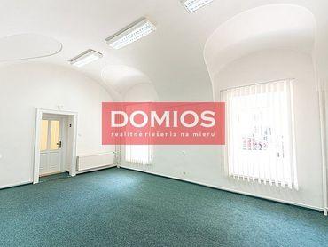 Prenájom klim. obchod. priestorov (100 m2, príz., výklad, WC, parking)