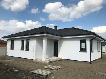 Rodinný dom na okraji Trnavy - výborná dostupnosť na obchvat, obchody, školy 5 min. - 94m2 + 500m2
