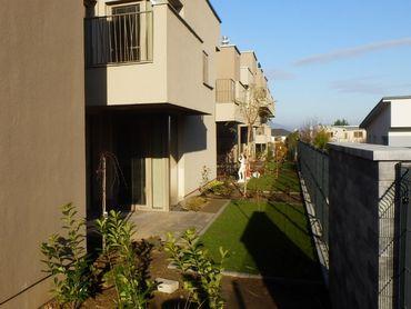 Prenájom 3 izb NEZARIADENÝ byt 93m2 so záhradkou