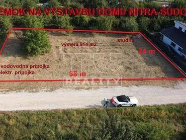 Slnečný a priestranný pozemok na výstavbu rodinného domu v Nitre časť Šúdol s výmerou 914 m2