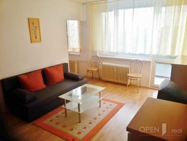1 izb. byt so 6m lodžiou vo vyhľadávanej lokalite na začiatku Terasy na Kysuckej ul.