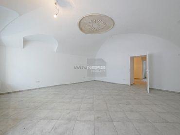PRENÁJOM: Obchodný, kancelársky priestor 70 m2 v centre mesta Ružomberok