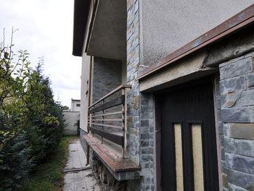 Rodinný dom v Komárne, Letecké pole