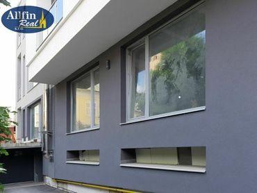 1-izb. priestranný apartmánový byt s terasou v centre
