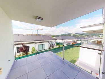 NA PRENÁJOM 4i byt s terasou - novostavba vo veľmi tichej lokalite (zástavba rodinných domov) s 2 pa