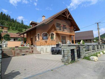 Veľký rodinný dom / 737 m2 / Snežnica