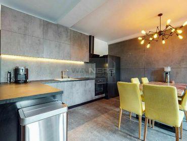 Exkluzívny predaj luxusného 3-izbového bytu s parkovacím miestom blízko centra Banskej Bystrice