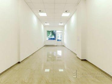 AXIS REAL:: Obchodný priestor 44 m2, VÝKLAD, BLÍZKO CENTRA, Trnava