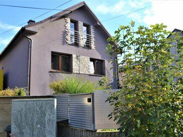 Predaj dvojpodlažného, murovaného rod.domu na pozemku 598 m2 v mestskej časti Bytčica - Žilina