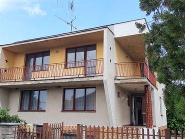 A3350 - Na predaj rodinný dom v tichej oblasti,  v obci Holanovo