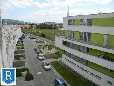 IMPREAL »»» Nové Mesto / Rača »» Nezariadený čerstvo vymaľovaný 2 izbový byt s parkovaním » veľká pi