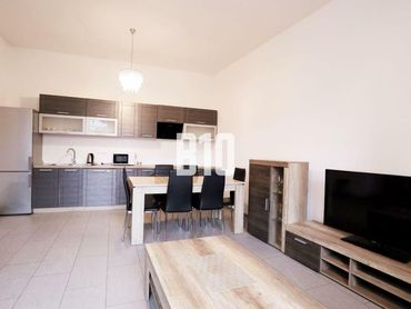 Rezervované - Na Prenájom  priestranný 2  izbovy byt Žilina  - centrum mesta , for rent
