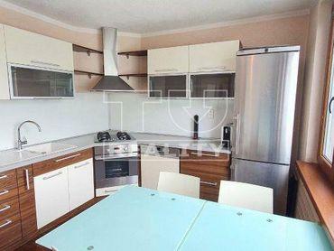 Predaj slnečného 3i bytu po kompletnej rekonštrukcii, BB, 72,12 m2 - rezervovaný