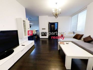 PREDAJ - luxusný 4 izbový dom v centre + komerčné priestory /+3D obhliadka