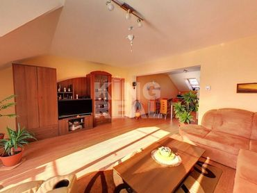 REZERVOVANÉ - LUXUSNÝ 3i. byt s balkónom, komorou a pôjdom v širšom centre Prešova